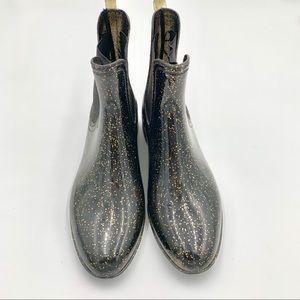 Shoedazzle Rain Boot Gold Specs Black Size 7.5